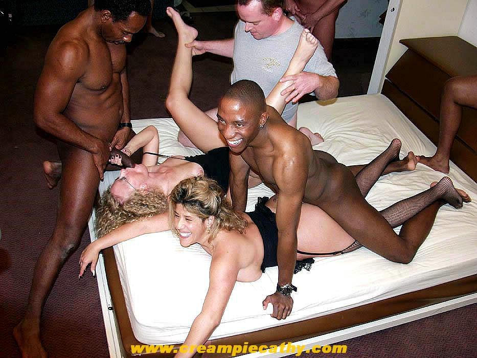Порно фото групповуха межрассовое 7414 фотография